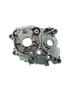 Engine crankcase left half for ATV BASHAN BS200S-7